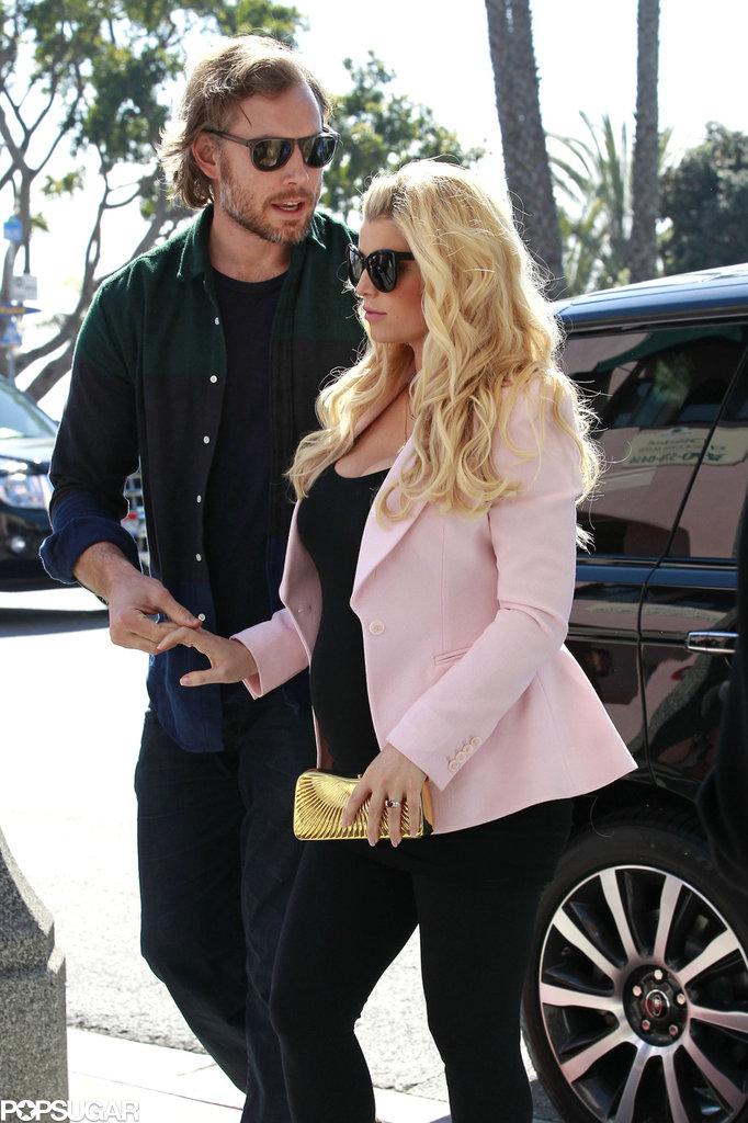 Jessica Simpson and Eric Johnson grabbed a Valentine's Day lunch in LA.