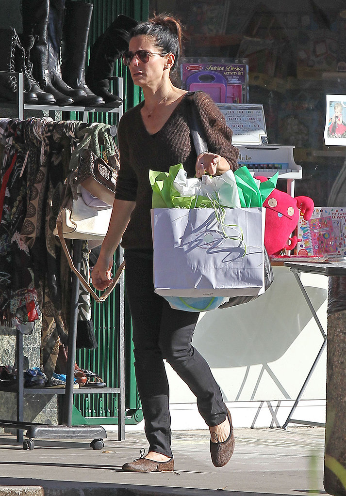Sandra Bullock Picks Up Toys Before Valentine's Day