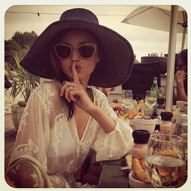 Miranda Kerr went incognito as she visitd Palm Beach hot-spot Source: Instagram user mirandakerrverified The Boathouse in Sydney during the week.