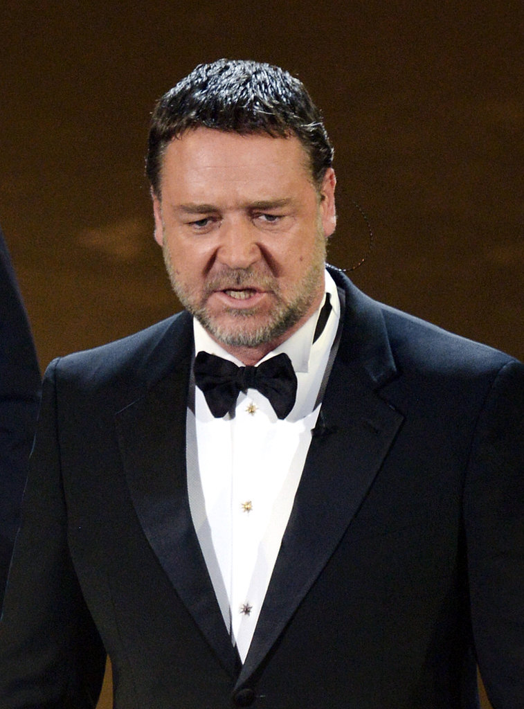 Russell Crowe sang with the Les Misérables cast at the 2013 Oscars.