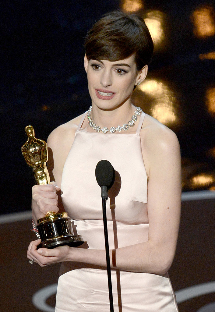 Anne Hathaway teared up while accepting her award at the 2013 Oscars.