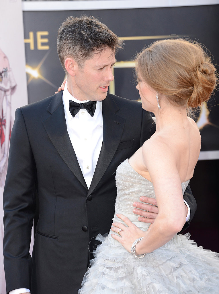 Amy Adams and fiancé Darren Le Gallo shared a moment on the Oscars red carpet.
