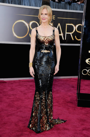 Nicole Kidman Sparkles in Black and Gold at the Oscars