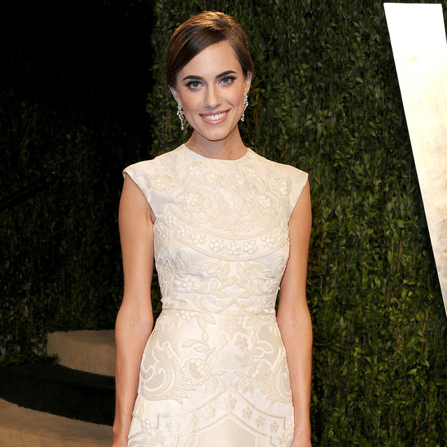 Allison Williams Attends The Vanity Fair Oscars Party