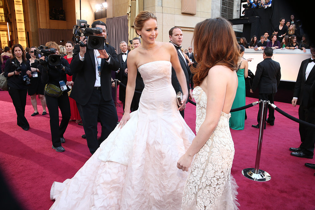 Jennifer Lawrence and Kristen Stewart chatted on the red carpet.