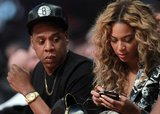 Beyoncé Knowles checked her phone.