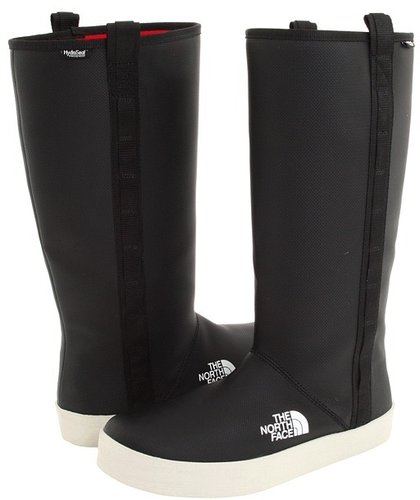 The North Face - Women&#039;s Base Camp Boot (Black/White) - Footwear
