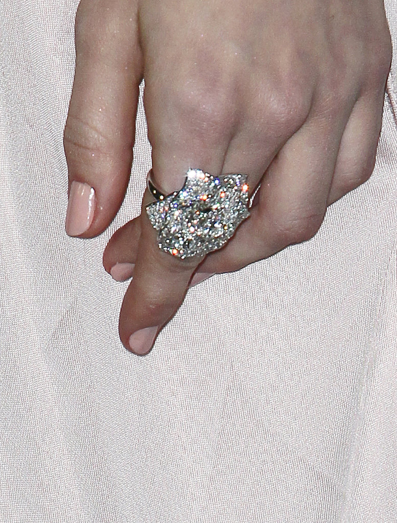 A dazzling Piaget diamond statement ring completed Emmy's throwback glamour.