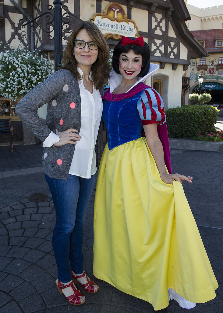 Tina Fey took some time out and hit Disney World in Florida on February 18, where she met up with a pretty young thing named Snow White.
