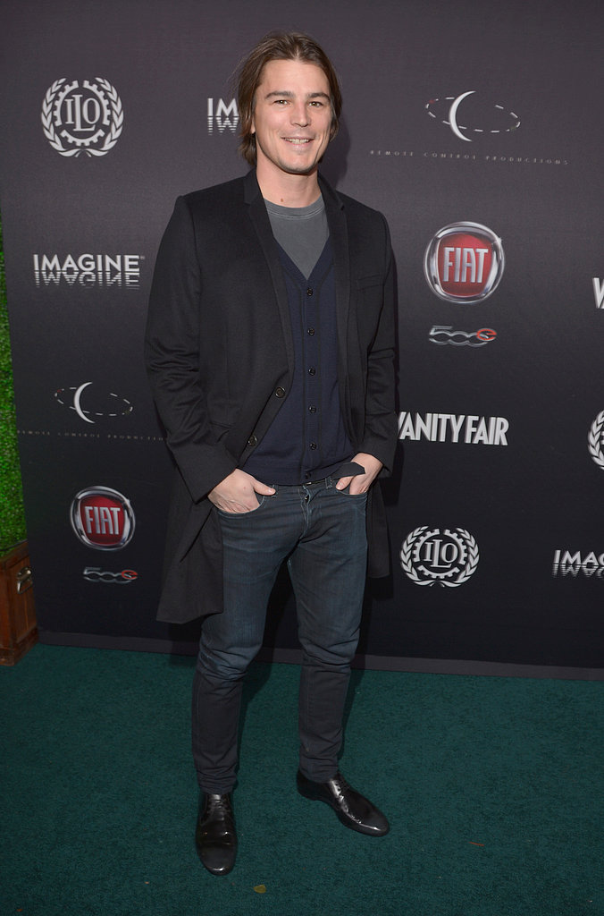 Josh Hartnett went casual on the green carpet.