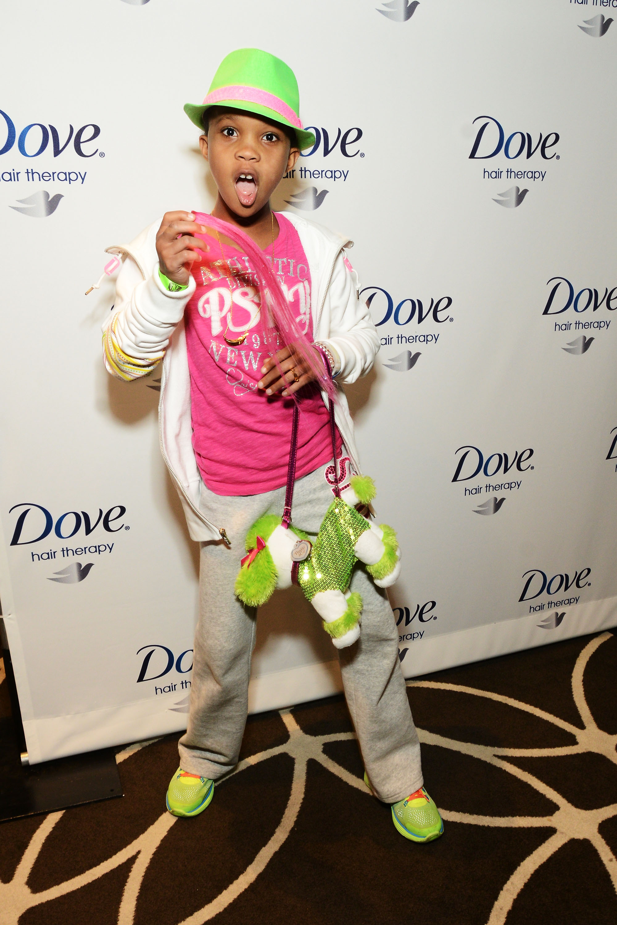 Quvenzhané Wallis had fun at Kari Feinstein's style lounge on Friday night in LA.