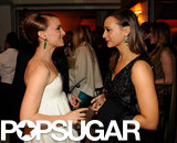 Harvard girls Natalie Portman and Rashida Jones chatted at Vanity Fair's Oscar after party.