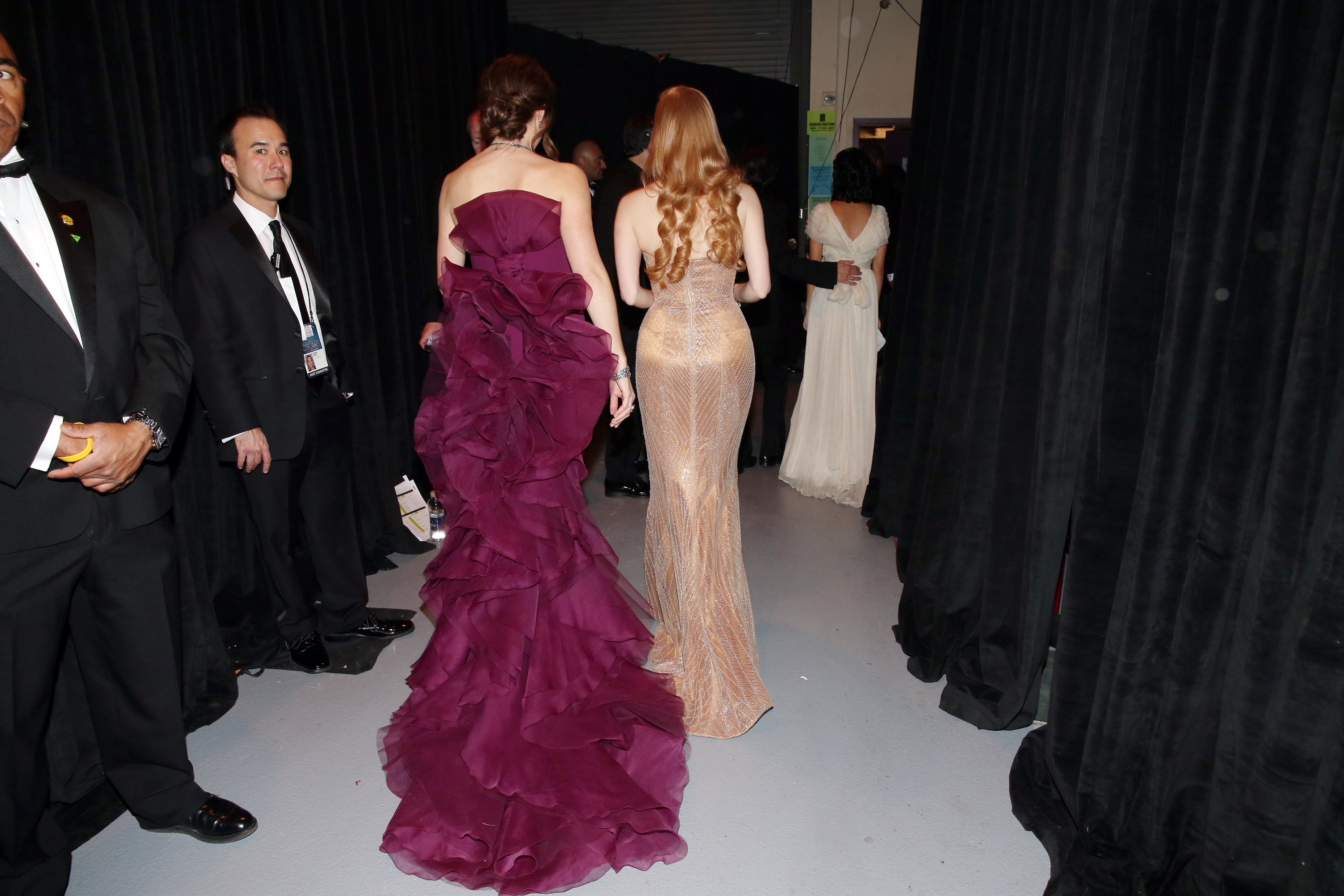 Jennifer Garner and Jessica Chastain backstage at the 2013 Oscars.