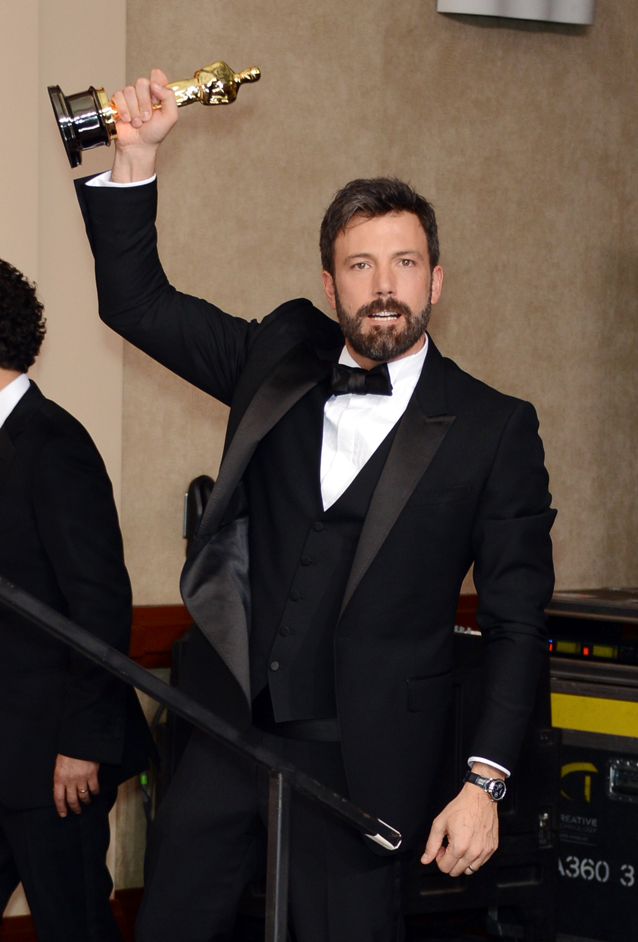 Ben Affleck flaunted his best picture statue.