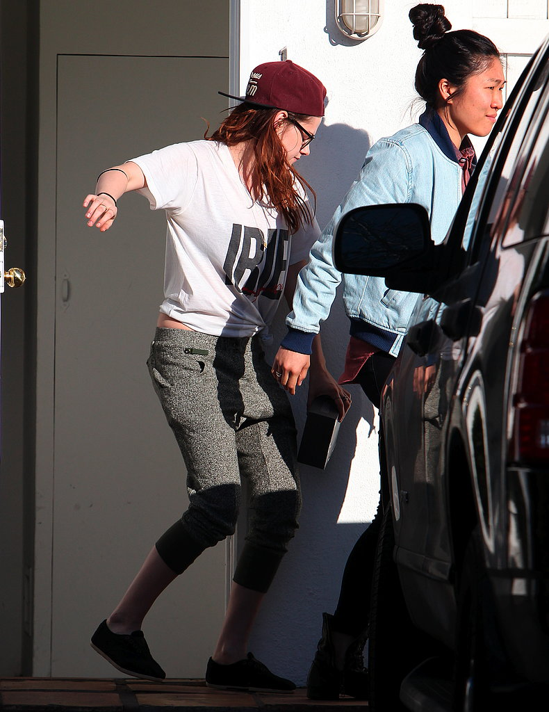 Kristen Ditches Her Crutches While Wearing Robert's T-Shirt