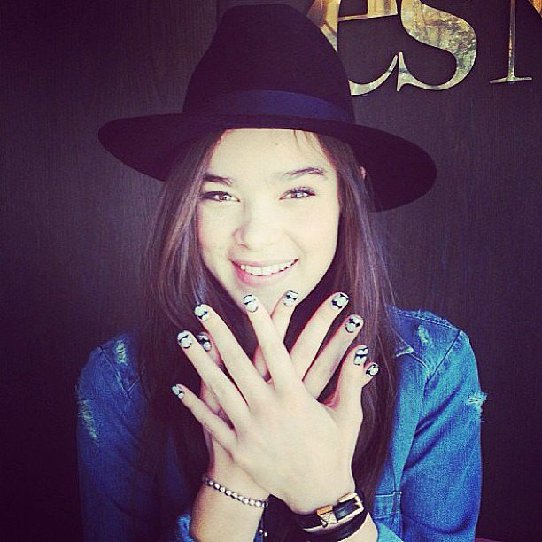 Hailee Steinfeld showed off her fun manicure. Source: Instagram user haileesteinfeld
