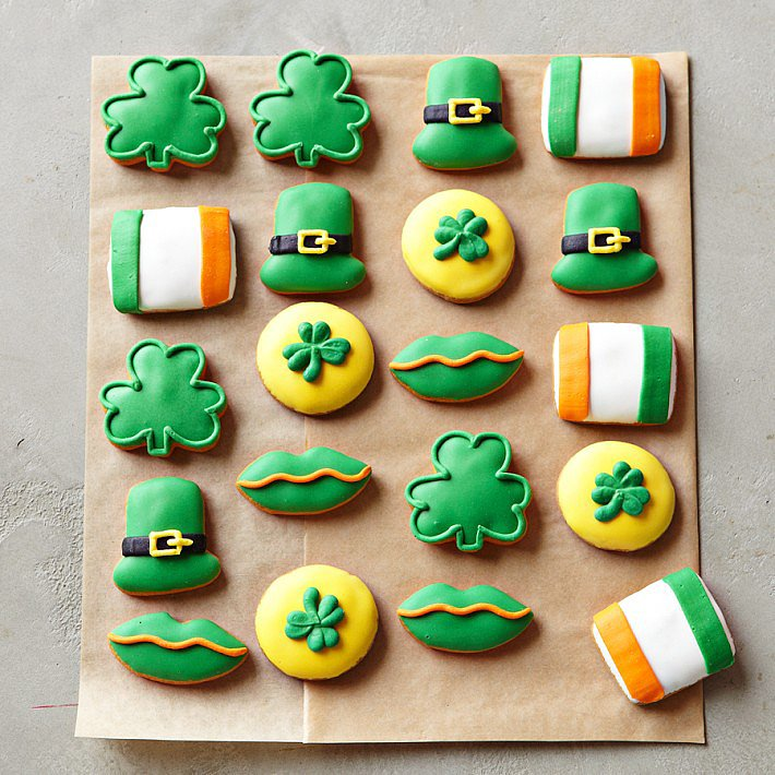 St. Patrick's Day Mini Vanilla Iced Cookies