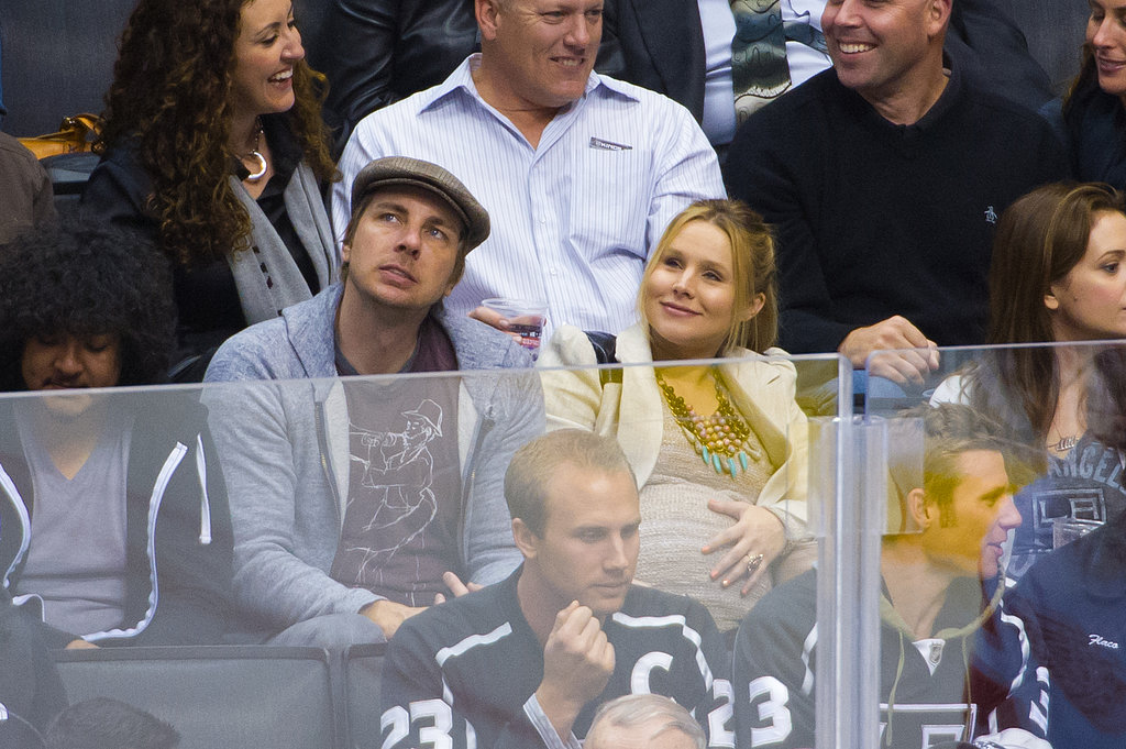 Dax Shepard and Kristen Bell attended a hockey game.