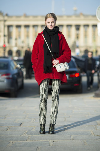 An oversize red knit gave abstract-print skinnies high-wattage color. Source: Le 21ème | Adam Katz Sinding
