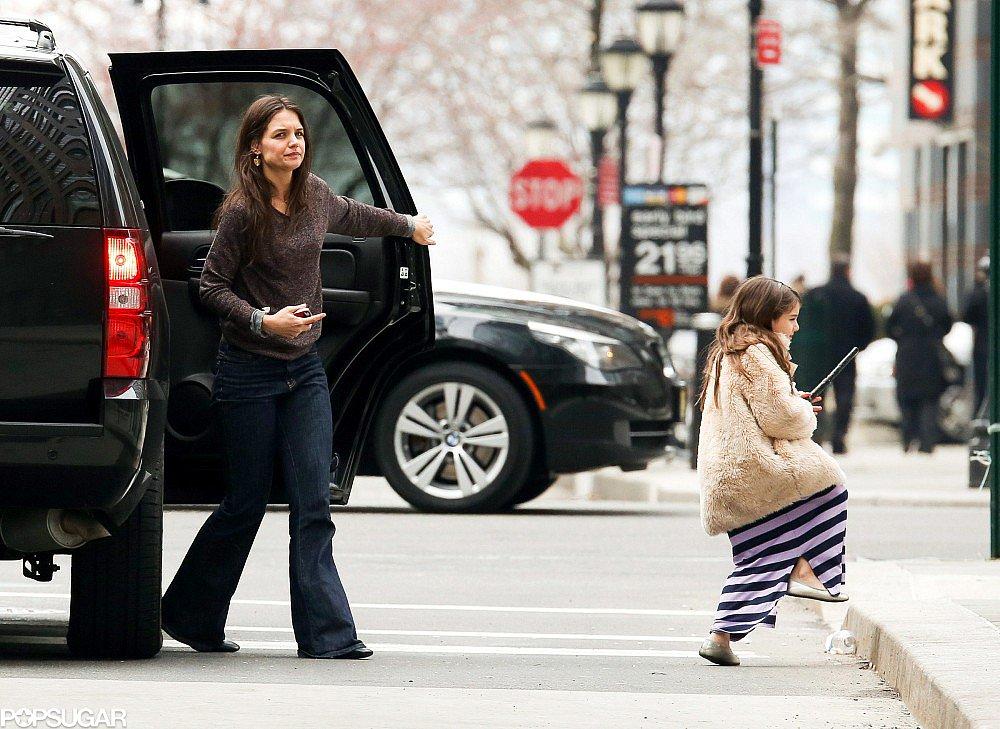 Katie Holmes ran errands with Suri Cruise.