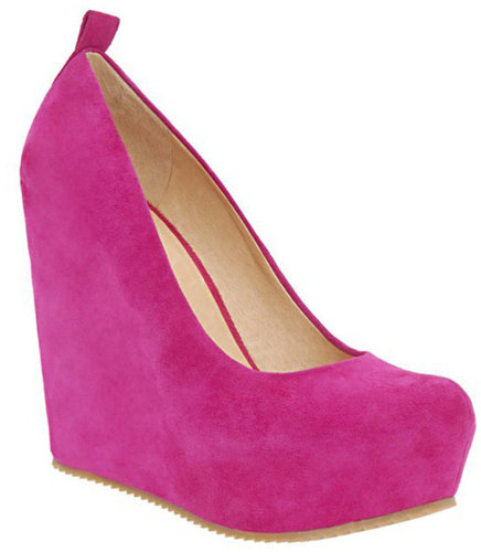 What To Wear With Pink Suede Shoes