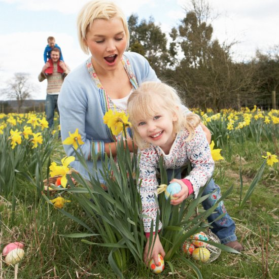 15 Spring Holiday Traditions Moms Treasure
