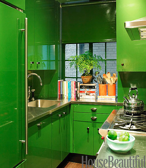 An all-lacquered green kitchen fills this small space with life. It also makes it unforgettable!  Source: Thomas Loof for House Beautiful