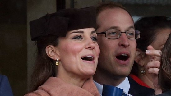Video: Pregnant Kate Middleton at the Racetrack With William, Tina Fey's Future With SNL, and More!