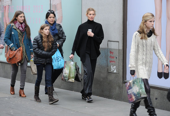 Faith Hill and her daughters went shopping in London on Friday.