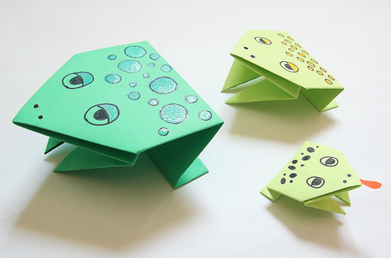 Simple Origami Jumping Frogs