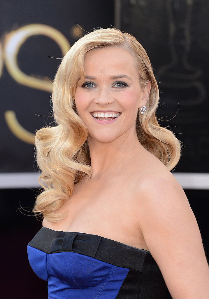 At this year's Academy Awards, Reese took a nod to Hollywood glam with sideswept glossy waves and a stunning Louis Vuitton gown in a classic silhouette.