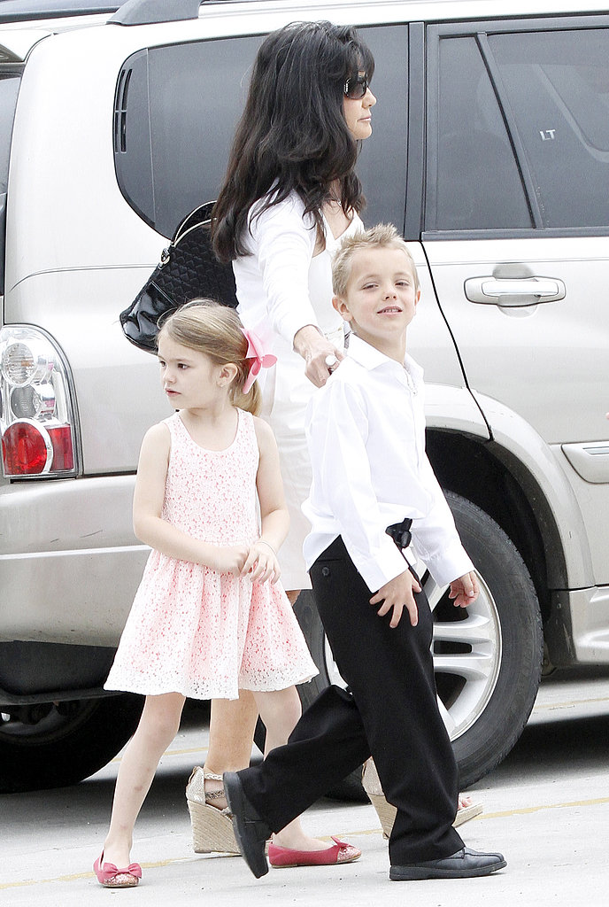 Britney Spears Dresses Up to Spend Easter Sunday With Her Family
