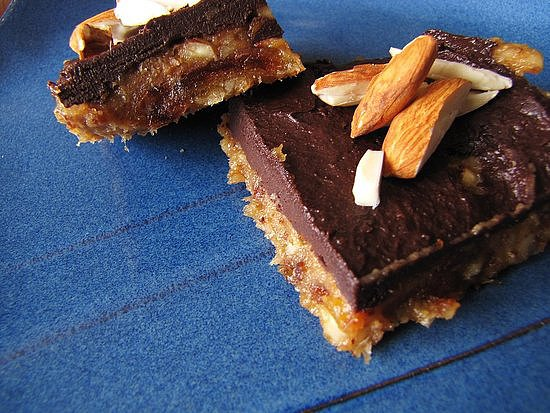 No-Bake Banana Chocolate Almond Squares