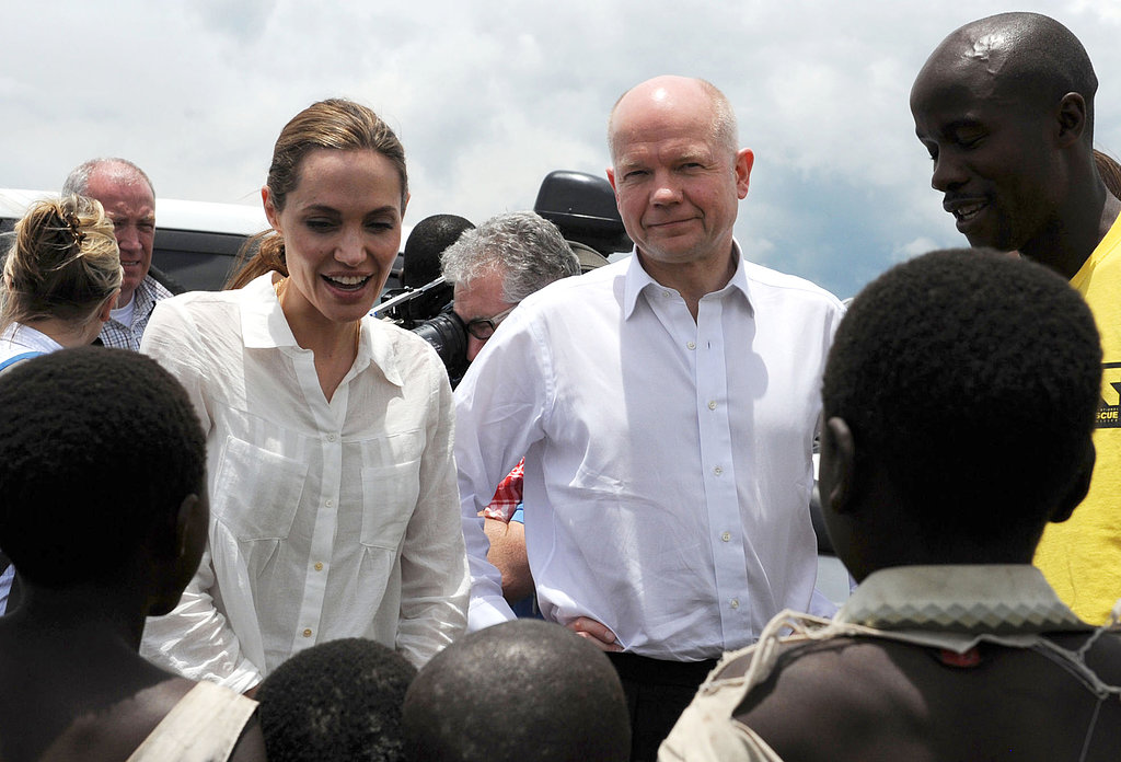 Angelina Jolie chatted with children.