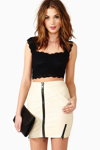 Scalloped Lace Crop Top - Black