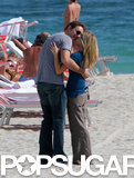 Dax Shepard and Kristen Bell stopped on the beach in Miami to make out in January 2008.