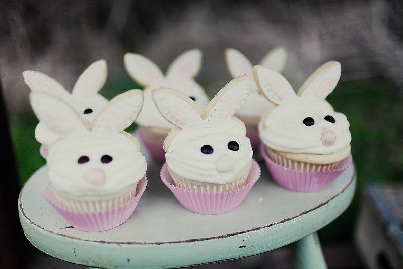 Bunny-inspired cupcakes made for the perfect Easter treat. Source: Kaylee Eylander Photography via Jenny Cookies