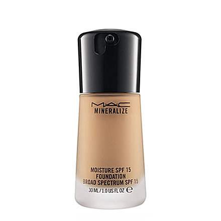 MAC Mineralize Foundation With SPF 15