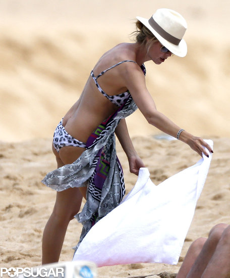Heidi Klum laid down a beach towel in Hawaii.