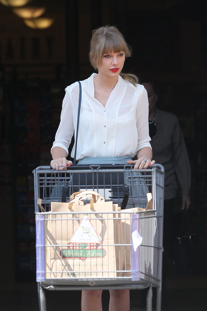 Taylor Swift went grocery shopping in LA on Wednesday.