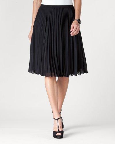 Pleated knee skirt
