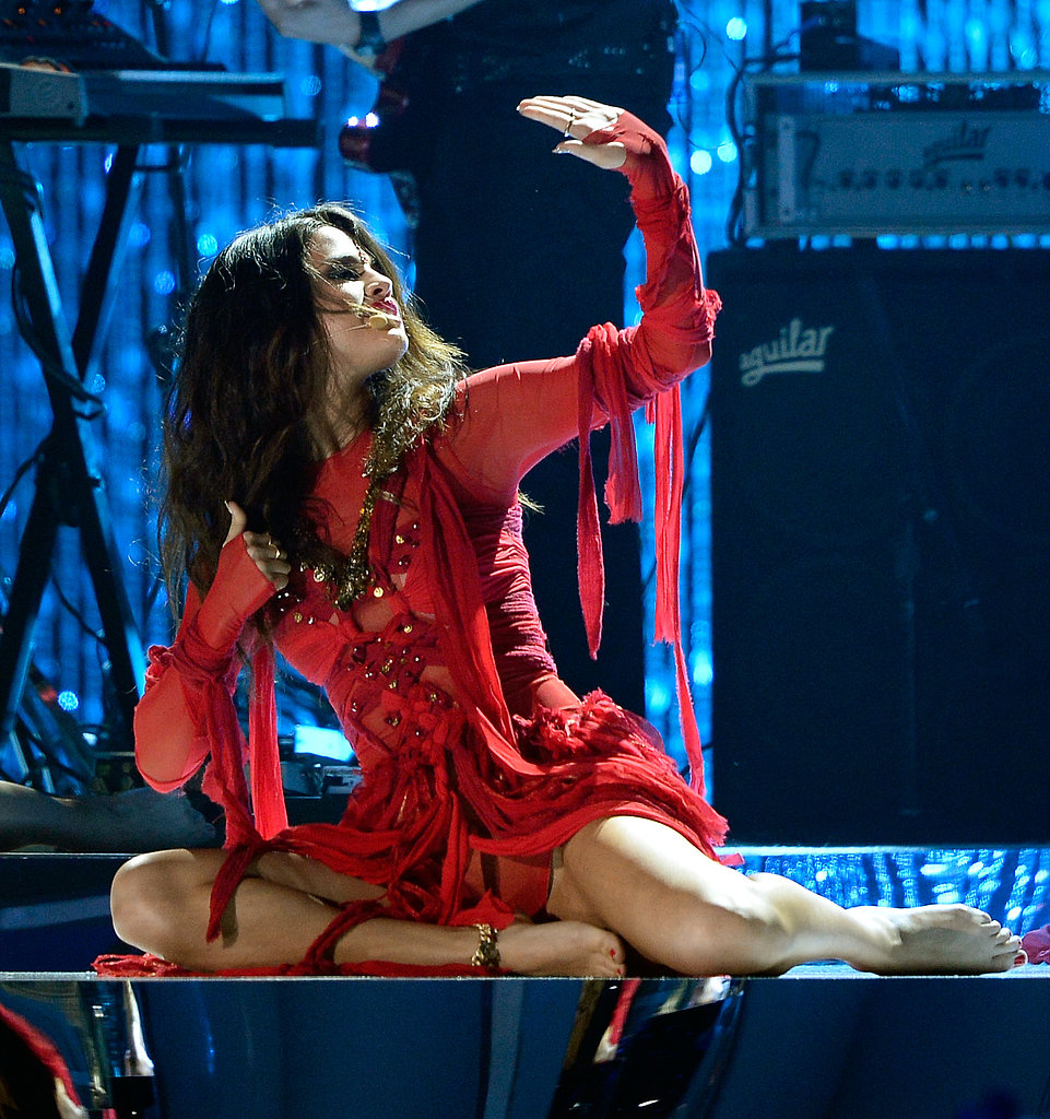 Selena Gomez showed off her vocal chops when performing her new single.