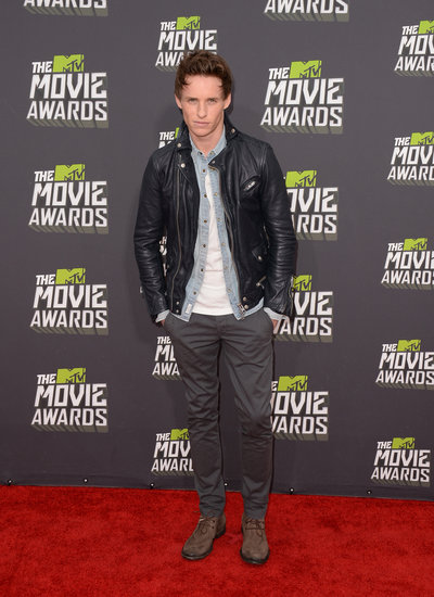 Eddie Redmayne Kicks Off the MTV Movie Awards Carpet