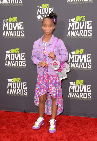 Quvenzhané Wallis wore a purple ensemble on the MTV Movie Awards red carpet.