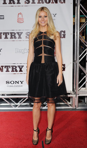 Gwyneth stunned in a full-skirt Chado Ralph Rucci confection and ballet-inspired Lanvin pumps at the Country Strong premiere in Nashville.