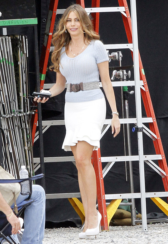 Sofia Vergara carried some loot on the way to set.