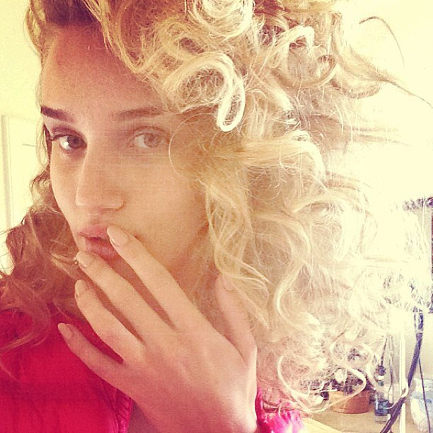 "Rosie Huntington-Whiteley took a photo of her ""super curls."" Source: Instagram user rosiehw"