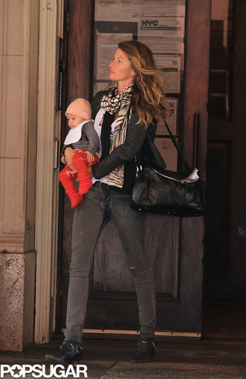 Gisele Bündchen Shows Baby Vivian the Sights of NYC