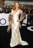 Zoe Bell struck a pose at the Oblivion premiere in Hollywood.