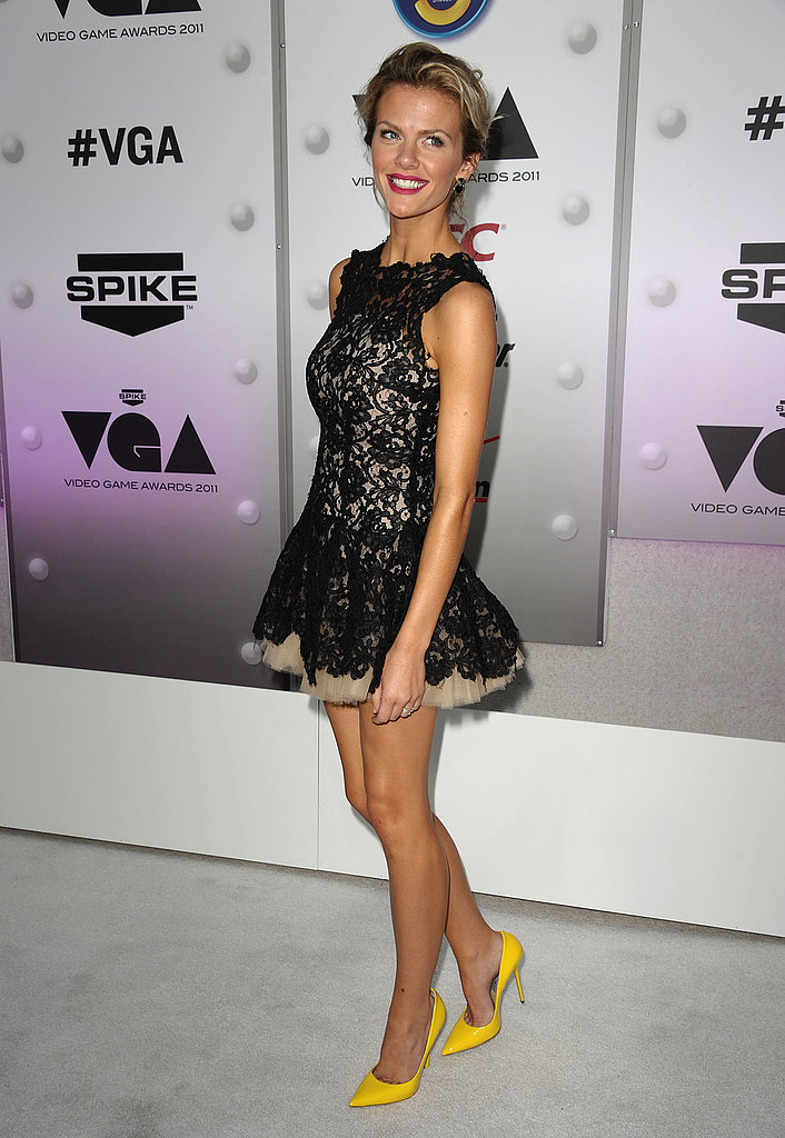 Equal parts girlie and glam in a lacy Nha Khanh party dress for the 2011 Spike TV Video Game Awards.